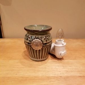 Scentsy Mini Plug-in Warmer - Charlemagne
